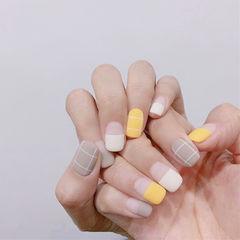 方圆形黄色白色裸色平法式线条磨砂美甲图片
