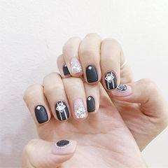 方圆形裸色黑色钻金银线磨砂美甲图片