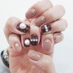 方圆形裸色珍珠美甲图片