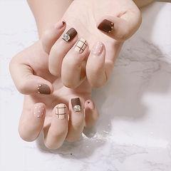方圆形咖啡色裸色格子短指甲波点钻美甲图片
