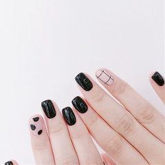 方圆形黑色白色波点格子美甲图片
