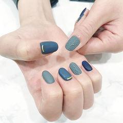 圆形蓝色绿色毛衣纹磨砂美甲图片