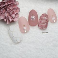 圆形粉色白色手绘毛呢磨砂毛衣纹雪花美甲图片