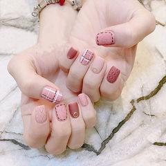 方圆形红色粉色格纹毛衣纹磨砂手绘美甲图片