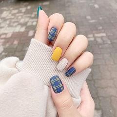 方圆形蓝色黄色裸色格纹毛衣纹磨砂美甲图片