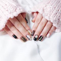 方圆形黑色金色珍珠钻线条美甲图片