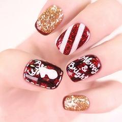方圆形红色金色斜纹圣诞美甲图片