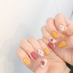 方圆形粉色黄色白色手绘磨砂跳色可爱美甲图片