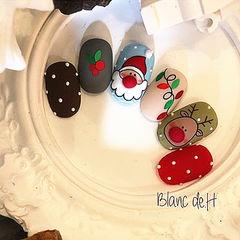 圆形绿色红色棕色蓝色手绘圣诞磨砂可爱美甲图片