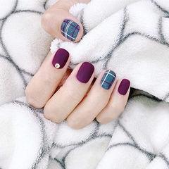 方圆形紫色灰色线条磨砂美甲图片