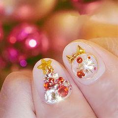 圆形裸色钻金属饰品圣诞美甲图片