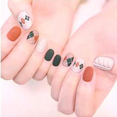 圆形绿色焦糖色白色手绘菱形毛衣纹磨砂美甲图片