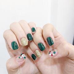 方圆形绿色金色钻圣诞美甲图片