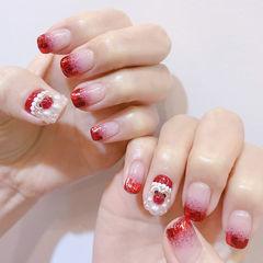 方圆形红色渐变珍珠圣诞美甲图片