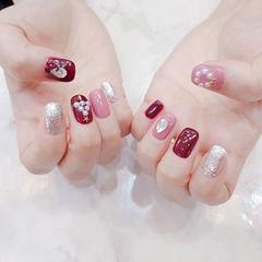 方圆形玫红色粉色银色珍珠圣诞跳色美甲图片