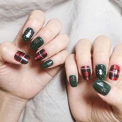 方圆形红色绿色手绘格纹圣诞雪人美甲图片