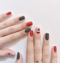 方圆形红色黑色珍珠磨砂圣诞美甲图片