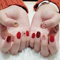 圆形红色钻圣诞美甲图片
