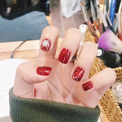 方圆形红色雪花圣诞美甲图片