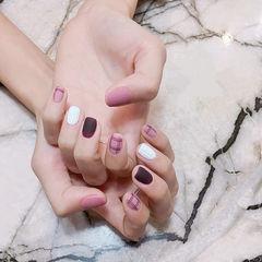 方圆形粉色酒红色格纹毛衣纹磨砂美甲图片