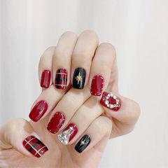 方圆形红色黑色格纹钻圣诞美甲图片