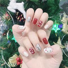方圆形红色裸色银色手绘圣诞麋鹿美甲图片
