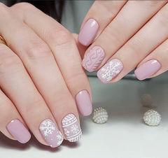 方圆形粉色手绘雪花毛衣纹磨砂美甲图片