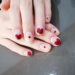 圆形红色心形法式亮片美甲图片