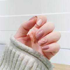 圆形粉色白色毛衣纹简约美甲图片