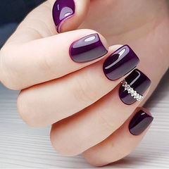 方圆形紫色钻简约美甲图片