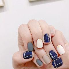 方圆形蓝色白色灰色裸色格纹磨砂美甲图片