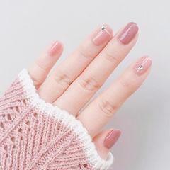 圆形粉色钻简约上班族纯色美甲图片