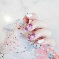 圆形紫色白色晕染贝壳片美甲图片