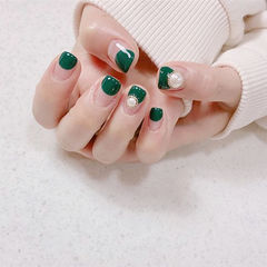方圆形绿色圆法式珍珠美甲图片