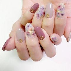 圆形紫色裸色手绘花朵日式美甲图片