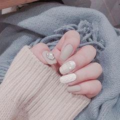 方圆形灰色白色毛衣纹格纹珍珠钻磨砂美甲图片