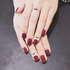 方圆形红色钻蝴蝶结新娘新年显白美甲图片