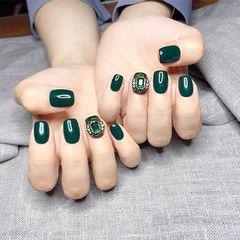 方圆形绿色钻美甲图片