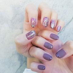 圆形紫色磨砂晕染银箔日式美甲图片