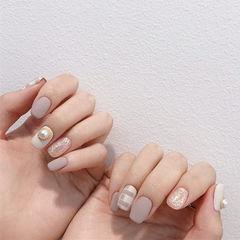 方圆形裸色银色珍珠格纹磨砂简约美甲图片