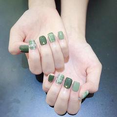 方圆形绿色格纹美甲图片