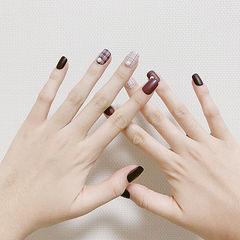 方圆形酒红色裸色格纹磨砂珍珠美甲图片