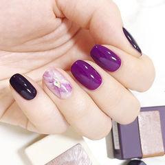 圆形紫色晕染美甲图片
