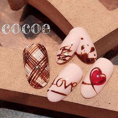 圆形棕色红色手绘心形巧克力美甲图片