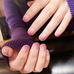 方圆形粉色渐变简约上班族短指甲美甲图片