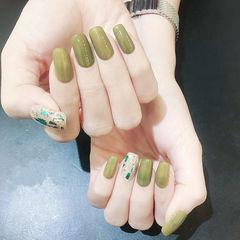 方圆形绿色贝壳片简约美甲图片