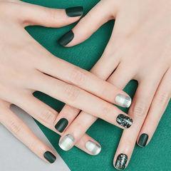 方圆形绿色格纹磨砂美甲图片