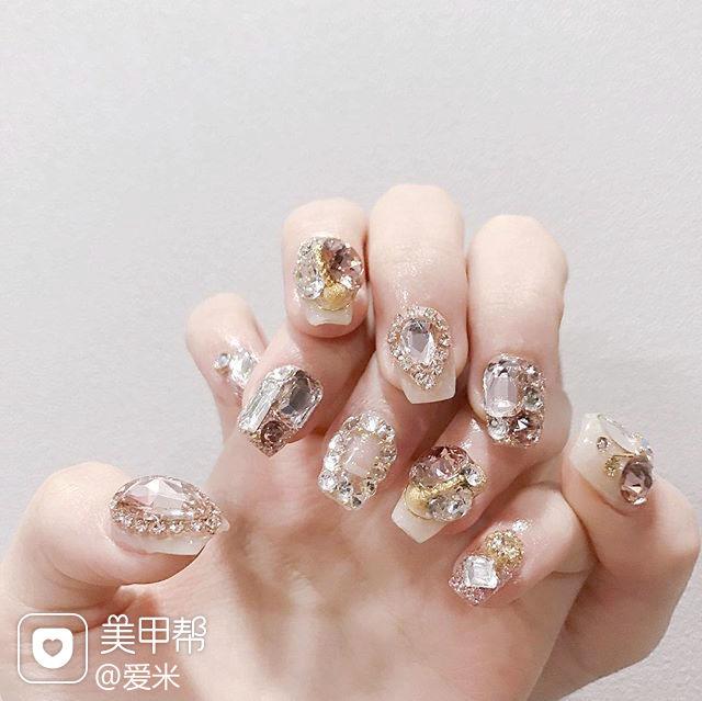 方圆形裸色钻韩式美甲图片