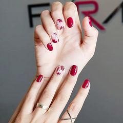 方圆形红色手绘花朵新娘美甲图片