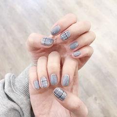 方圆形灰色格纹皮草胶美甲图片